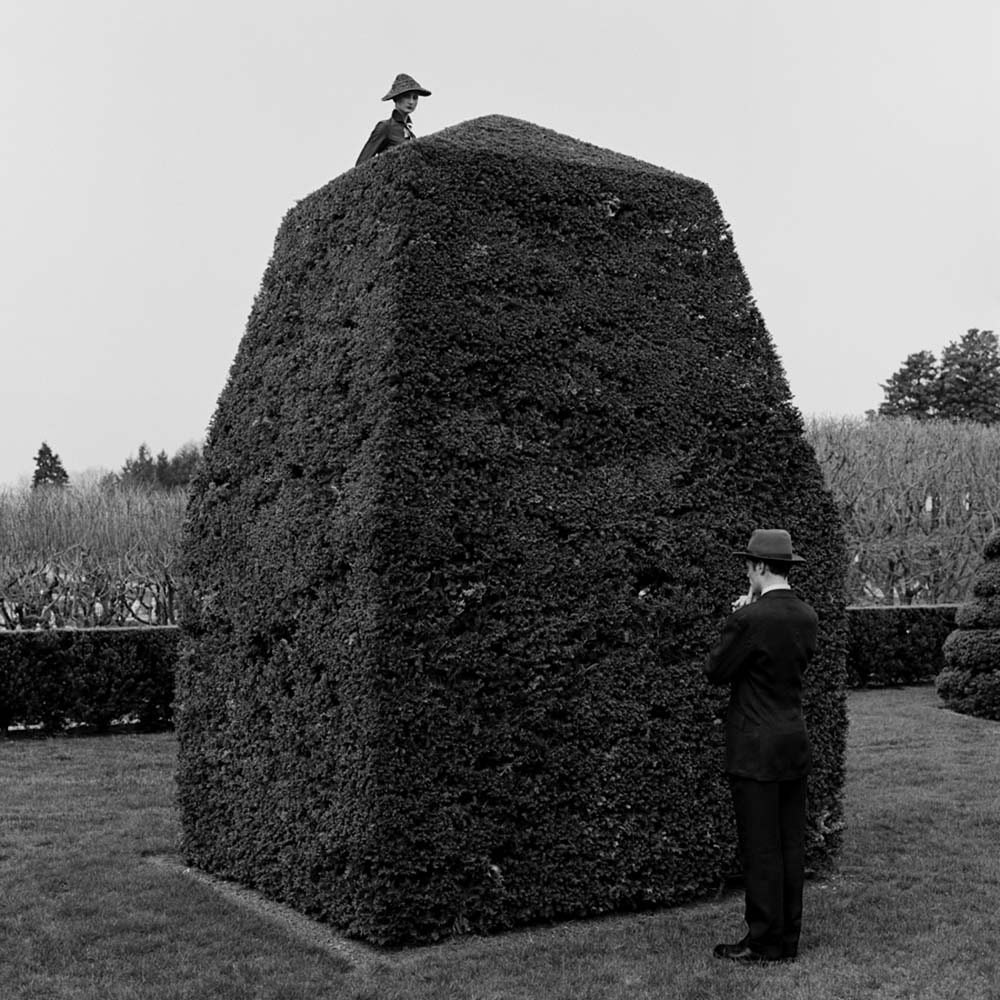 "<span class=""caption-title"">Question Mark Picture</span>, Longwood Gardens, Pennsylvania, 1997<span class=""caption-copyright"">© Rodney Smith</span>"