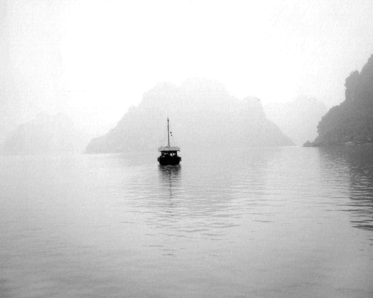 "<span class=""caption-title"">Boat on Water</span>, Vietnam, 2004<span class=""caption-copyright"">© Rodney Smith</span>"