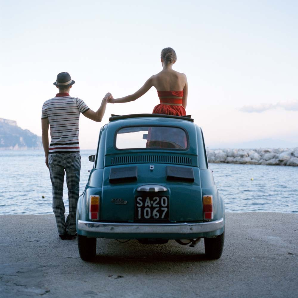 "<span class=""caption-title"">Saori Mossimo Holding Hands</span>,  Amalfi, Italy, 2007<span class=""caption-copyright"">© Rodney Smith</span>"